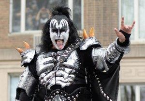 Лидер известной рок-группы Kiss захотел запатентовать знак «козы»