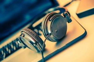Как прослушать или скачать произведение на музыкальных порталах